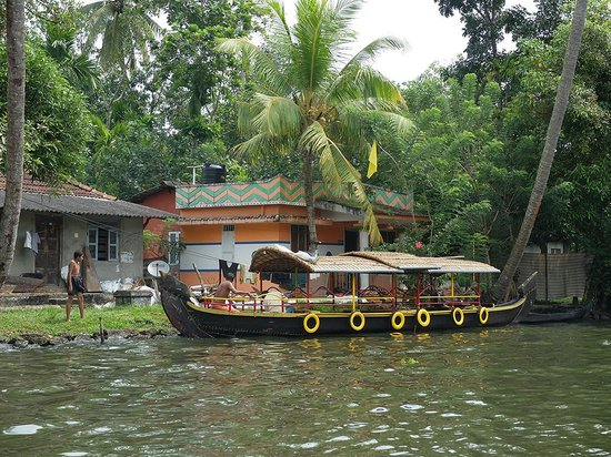 South Canal Holidays: Backwaters 1
