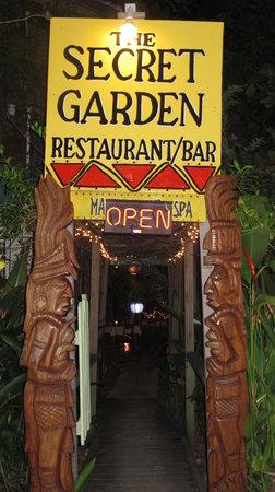 The Secret Garden Restaurant: Entrance