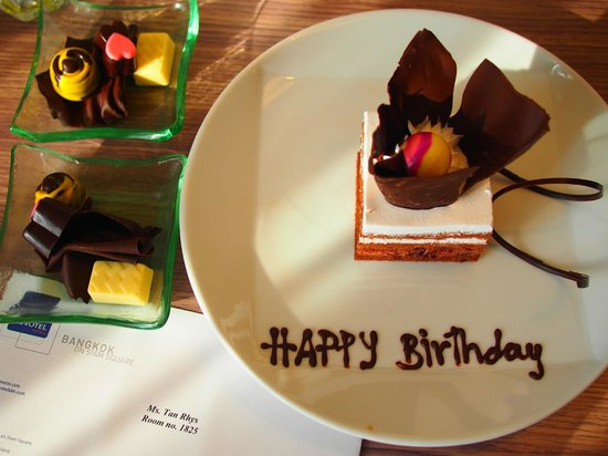 Novotel Bangkok on Siam Square : Afternoon tea Plus a Birthday surprise for my daughter