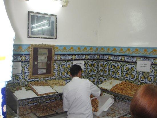 Patisserie Bennis Habous: Area vendite