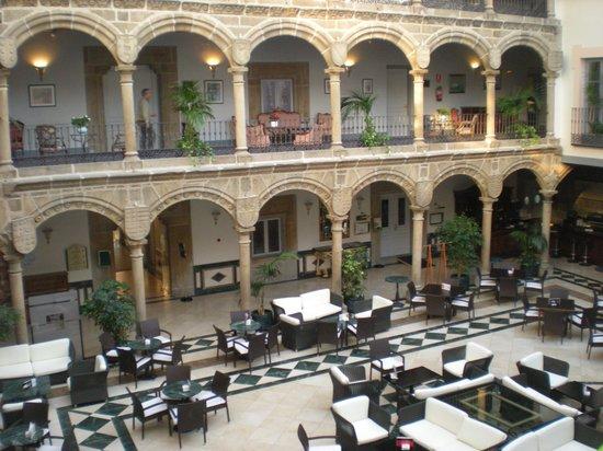 Palacio de los Velada: cafetería/restaurante