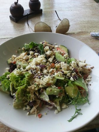 Land's End Cafe: Best Chicken Salad in Bali!