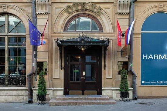 Kuznetskiy Inn Hotel