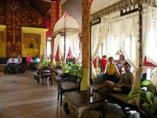 Kata Palm Resort & Spa: Reception area