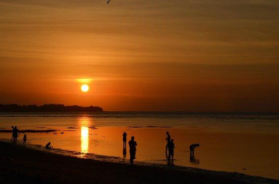 Coconut Cottages: Coucher de soleil