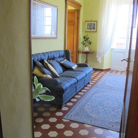 Villa Belvedere: petit salon près de la salle des petits déjeuners