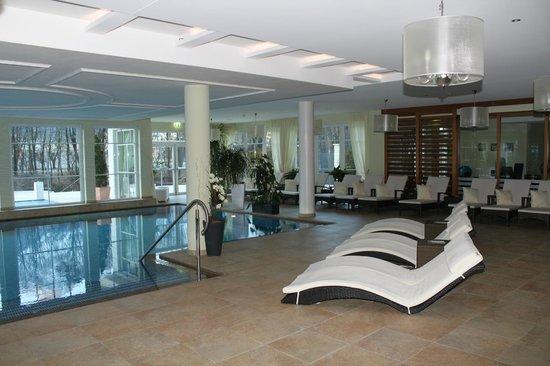 Grand Hotel Lienz: Poolbereich