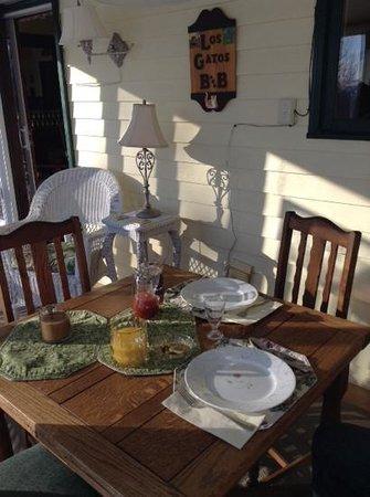 Los Gatos Bed & Breakfast : sun porch