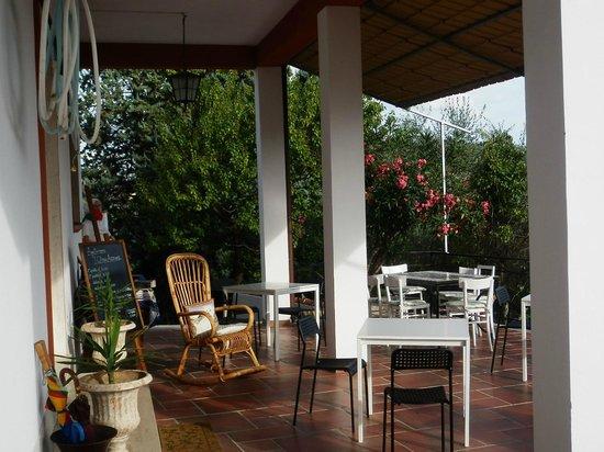 Portico foto di l 39 oliva azzurra valeriano lunense for Avvolgere l aggiunta portico