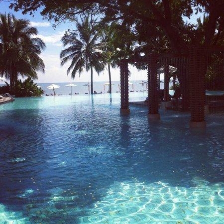 Veranda Resort and Spa Hua Hin Cha Am - MGallery Collection : view from pool towards the sea