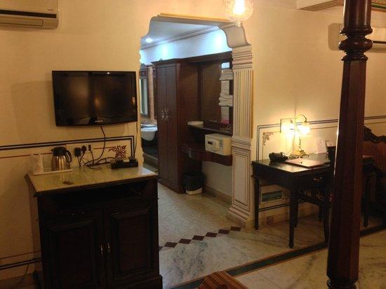 Umaid Bhawan Heritage House Hotel: Suite 3