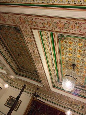 Umaid Bhawan Heritage House Hotel: Room ceiling