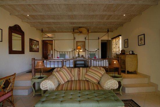 Bequia Beach Hotel: Beachfront suite