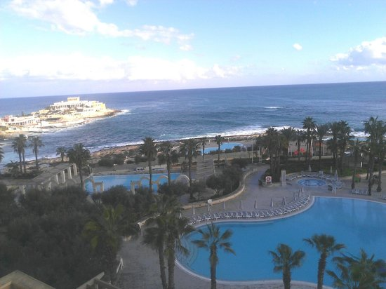 Hilton Malta: Sea view from a relaxing suite