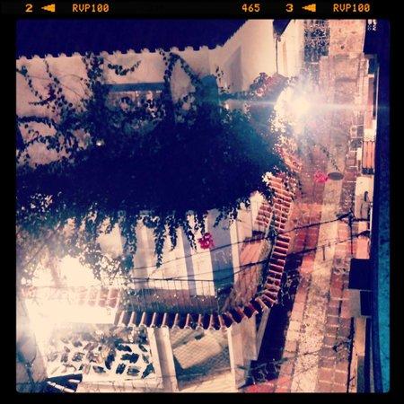 Hotel San Cristóbal: Calle del centro de Marbella desde la habitación
