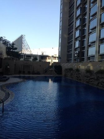 Harbour Plaza 8 Degrees : outdoor pool