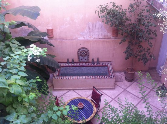 Riad Zahr: Patio interior