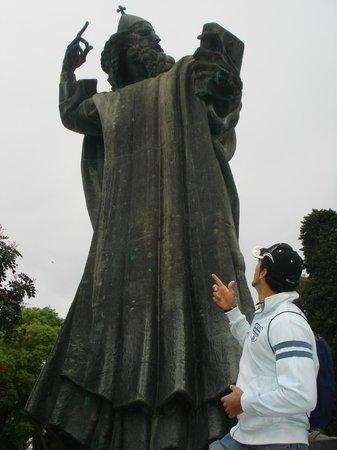 Grgur Ninski Statue : Grgur Ninski