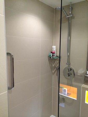 DoubleTree by Hilton London Ealing : great shower