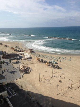 Crowne Plaza Tel Aviv Beach: vue de la chambre