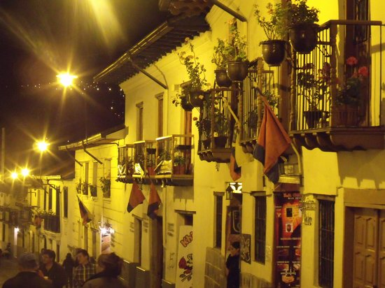 Calle La Ronda: A walking place