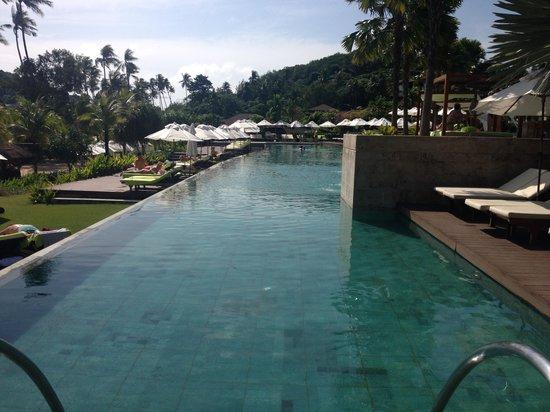 Pullman Phuket Panwa Beach Resort: Lovely pool area.