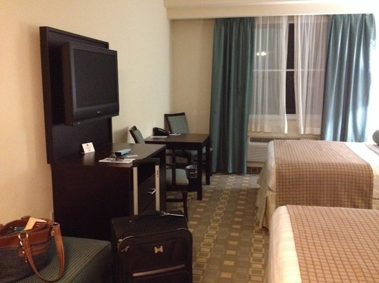 BEST WESTERN PLUS Fort Lauderdale Airport South Inn & Suites: TV