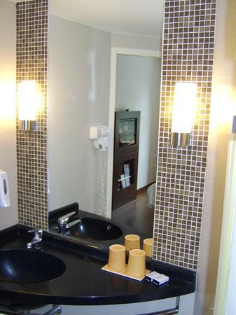 ibis Bangkok Nana : bathroom