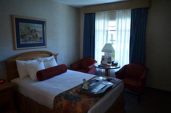 Best Western Plus Frontier Motel: Room