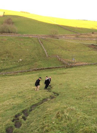 Wheeldon Trees Farm Holiday Cottages: Trekking up the hill