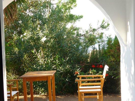 Elafonisi Resort by Kalomirakis Family: Vue de la chambre vers la mer