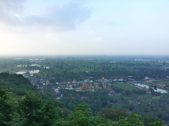 Phnom Sampeau: View from top1