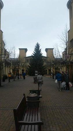 Wertheim Village: Внутри