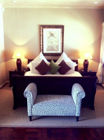 51 On Camps Bay Guesthouse: Peaceful Mountain Room