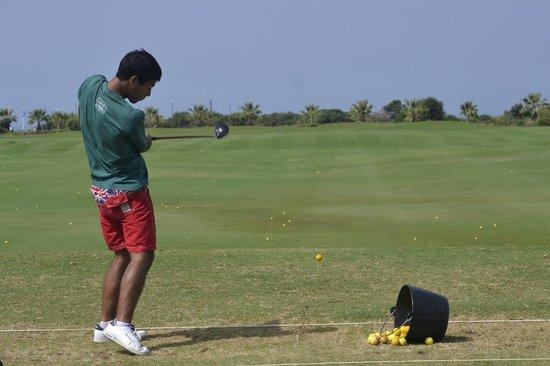 Costa Ballena Ocean Golf Club: tee de practicas