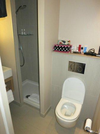 Best Western Hotel Faubourg Saint-Martin : Bathroom