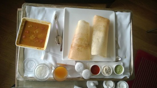 Trident, Nariman Point: Indian room service breakfast.