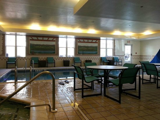 Residence Inn Poughkeepsie: the pool
