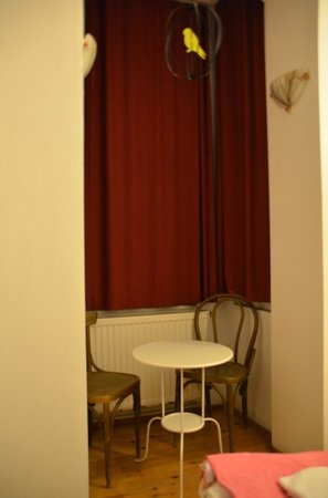 Taksim Lounge Hostel: double room 102