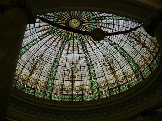Gran Hotel Bolivar: vitreaux no teto do hotel