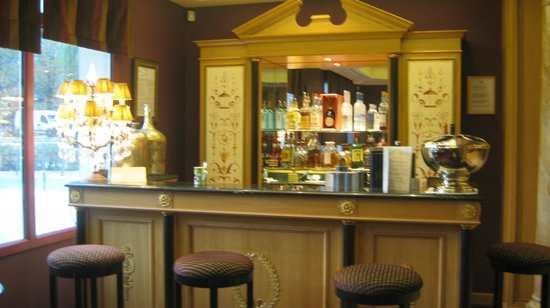 Villa Lara Hotel: lovely bar