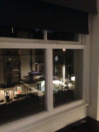 La Suite West - Hyde Park: Vista sul viale
