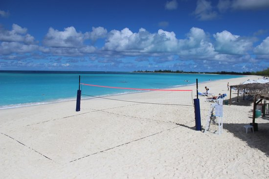 Club Med Columbus Isle: beach volley, plage et mer couleur emeraude (à 28°c)