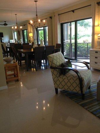 Plantana Condominiums: Beautiful, modern furnishings