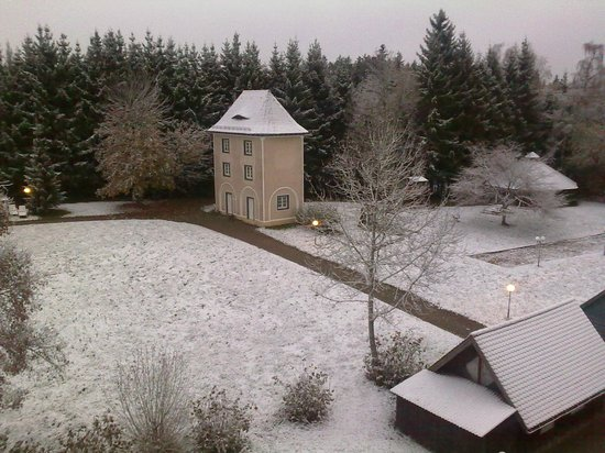 Schwarzwald Parkhotel : room view, kind of x-mas or candy-village feeling...