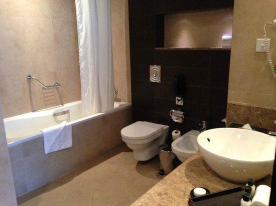Cristal Hotel Abu Dhabi : bagno