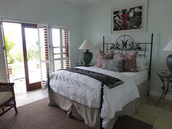 Aquavit Guest House: Das rechte Zimmer direkt am Pool