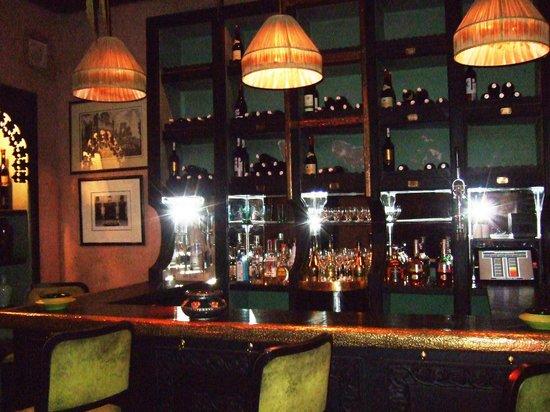 Kosy Bar : Bar area