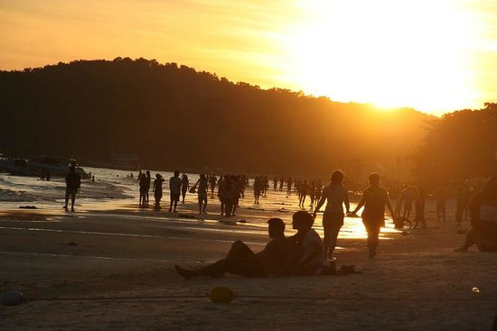 Sai Kaew Beach Resort: Sunset on the main beach