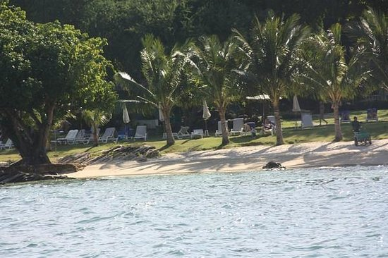 Sai Kaew Beach Resort: The private beach from the sea
